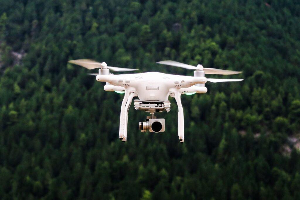 Latanie dronem - licencja na drona