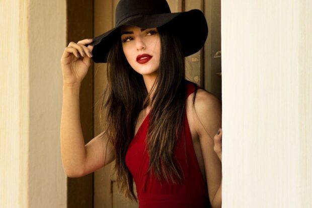 Makijaż do czerwonej sukienki – na co zwrócić uwagę, by wyglądać perfekcyjnie?