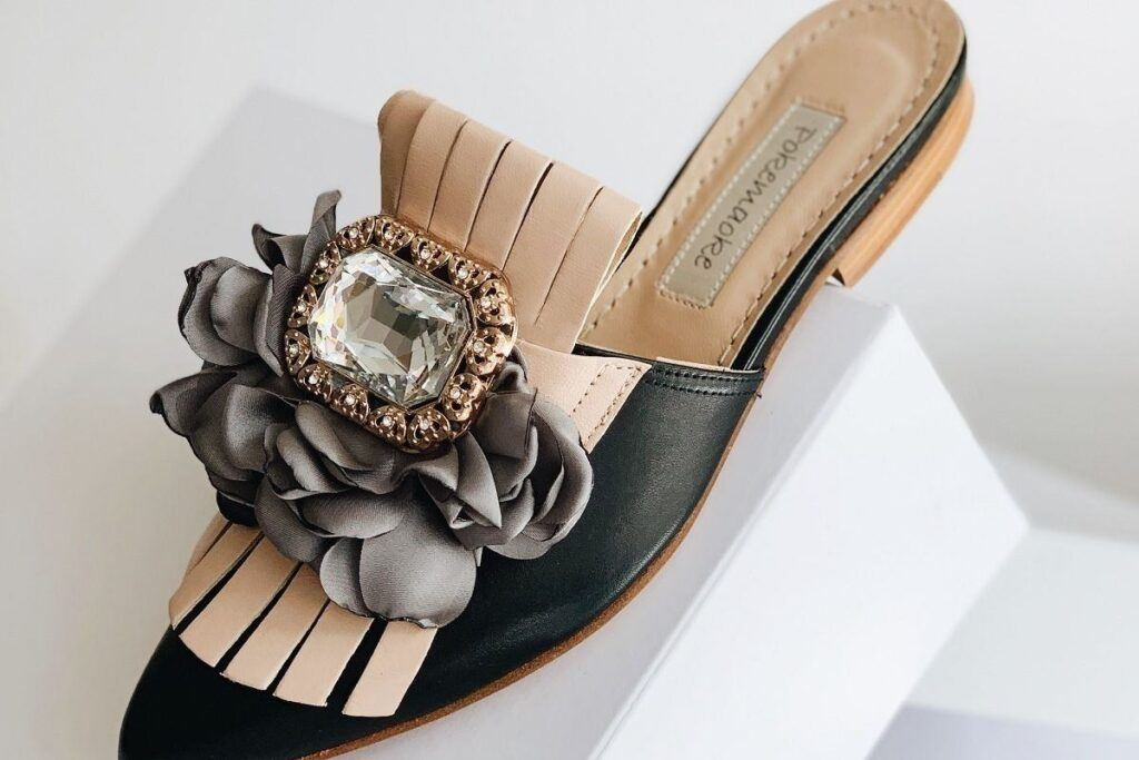 Wygodnie ale szykownie, czyli płaskie buty do sukienki!