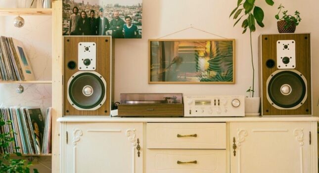 Styl retro w łazience, kuchni czy salonie - jak uzyskać najlepszy efekt?