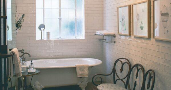 Szybki czy gruntowny remont łazienki? Sprawdź, na co się przygotować!