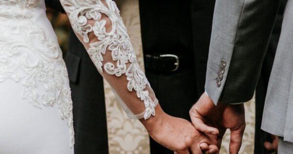 Ślub kościelny w plenerze - czy to w ogóle możliwe?