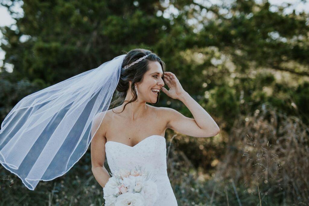 Klasyczna suknia ślubna – wybierz ponadczasowy styl!