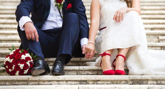 Płaskie buty ślubne uratują twoje stopy! Wygoda i moda w jednym!