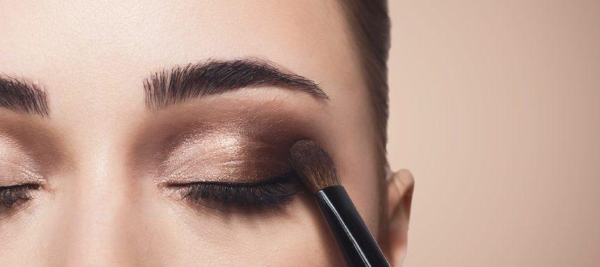 Jak powiększyć oko makijażem?