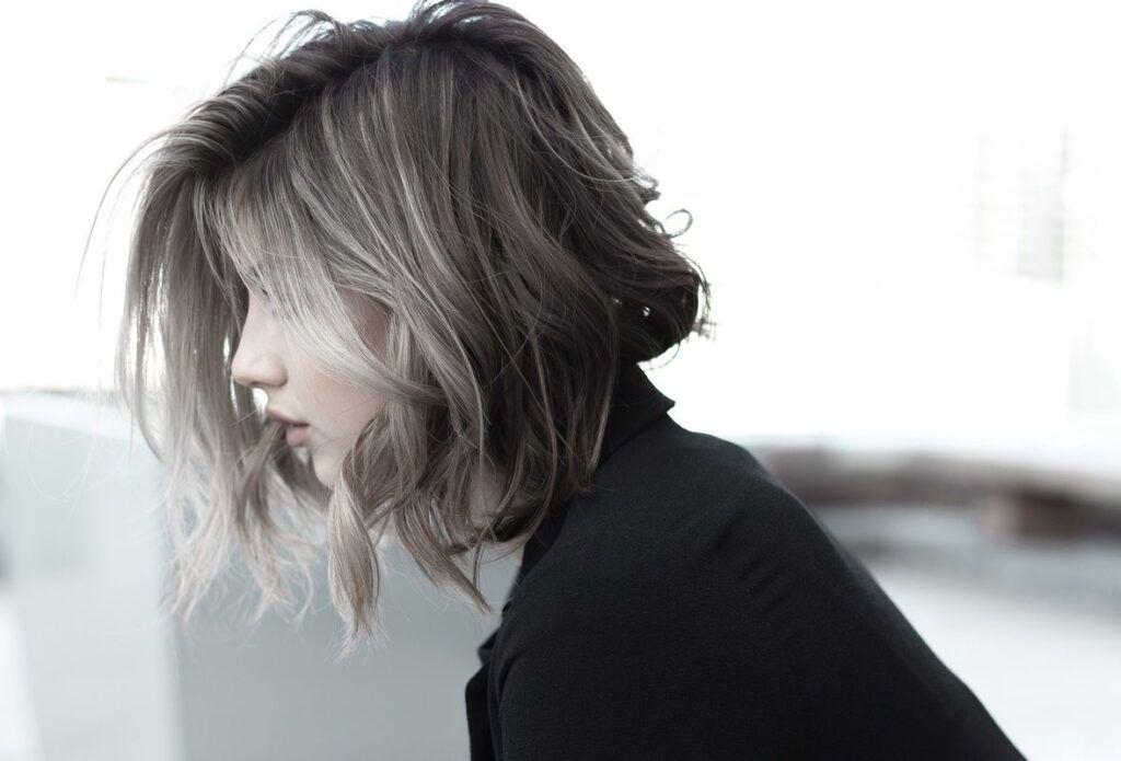 Long bob – wszystko, co musisz wiedzieć o tej popularnej fryzurze!