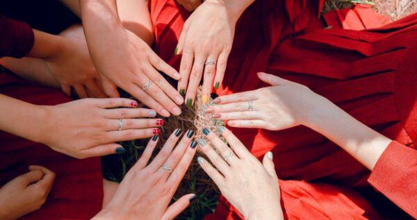 Jak zrobić ombre na paznokciach w domu?  Sprawdź krótki poradnik!