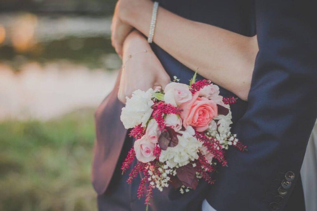красочные и нежные цветы для помолвки