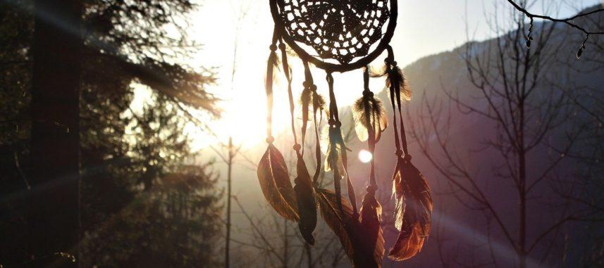 Łapacz snów jako dekoracja na wesele lub do domu? Sprawdź, jak go zrobić!