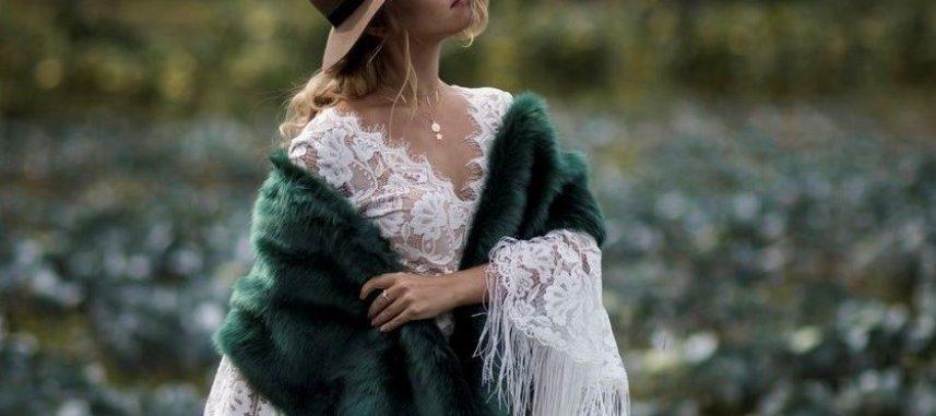 Eleganckie okrycia idealne do sukni ślubnej – gorące trendy!