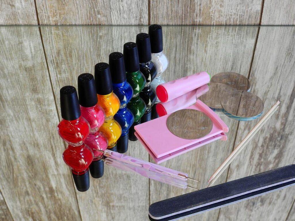 Jak zrobić ombre na paznokciach zestaw lakierów