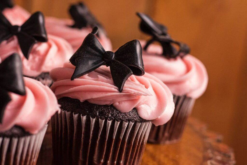Babeczki jako pomysł na tort na wieczór panieński