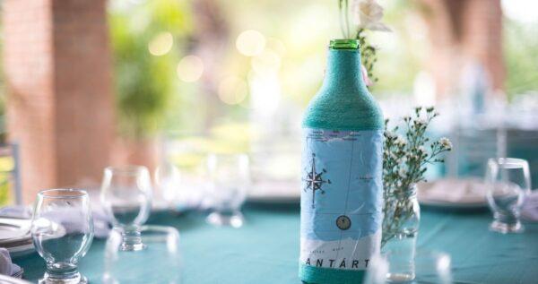 Jak zapakować wino na prezent weselny, świąteczny lub urodzinowy? Sprawdzone pomysły!
