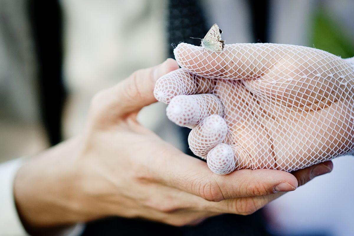 Rękawiczki ślubne z siateczki