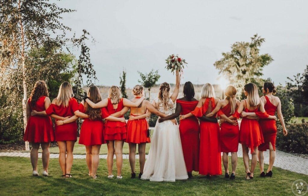 Druhny na ślubie obowiązki i lista zadań. Jakie sukienki