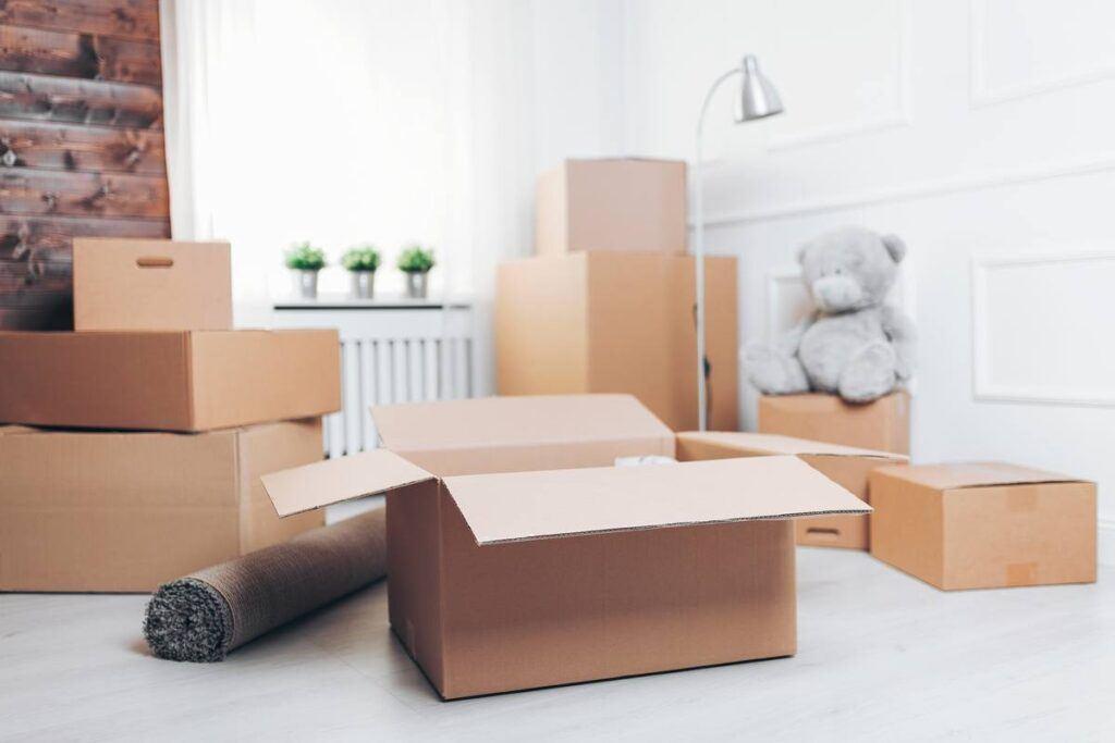 Pudełka przygotowane przed zmianą adresu zamieszkania