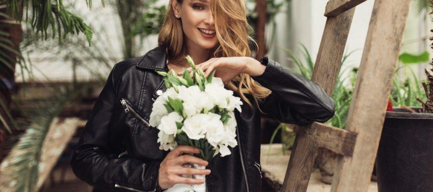 Ramoneska do sukni ślubnej – tylko dla alternatywnej czy dla każdej panny młodej?