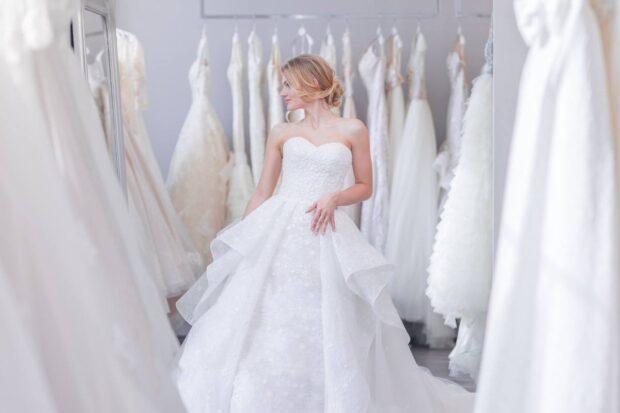 5 zasad wyboru sukni ślubnej, dzięki którym będziesz wyglądała jak prawdziwa księżniczka
