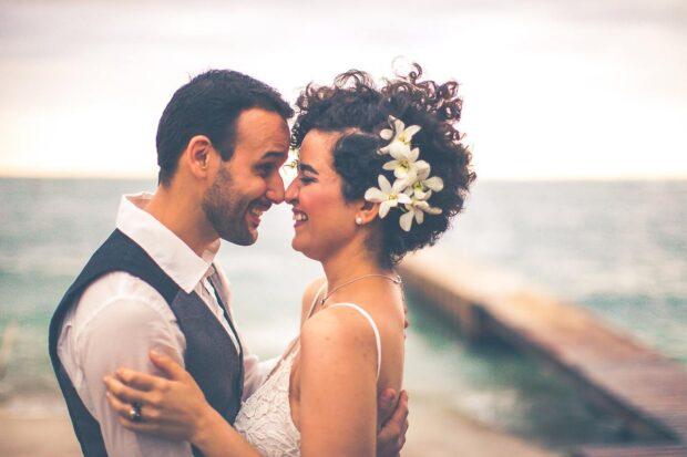 Romantyczne wesele nad morzem – poznaj plusy i minusy tego pomysłu