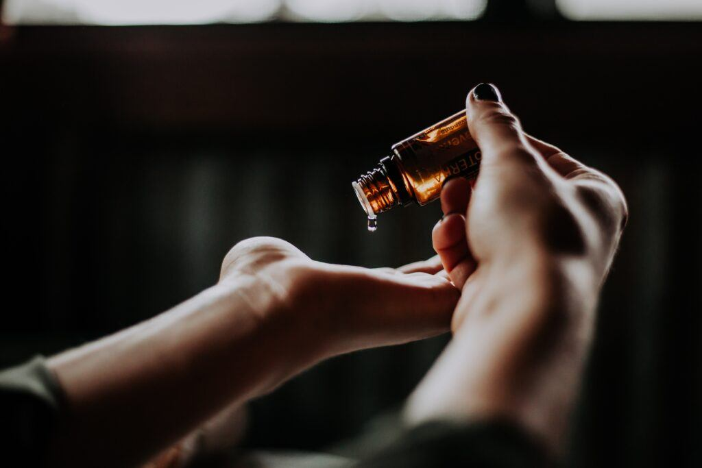flakonik z perfumami