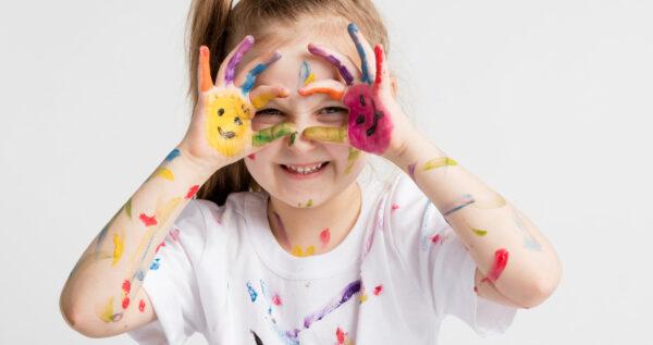 Jak zrobić slime? Kilka sposobów na przygotowanie zabawki uwielbianej przez dzieci