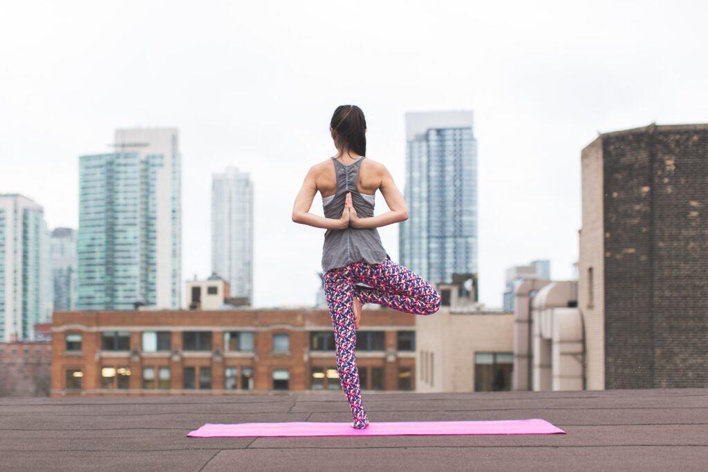 Ćwiczenia na kręgosłup. Co zrobić, aby uciążliwy ból minął?