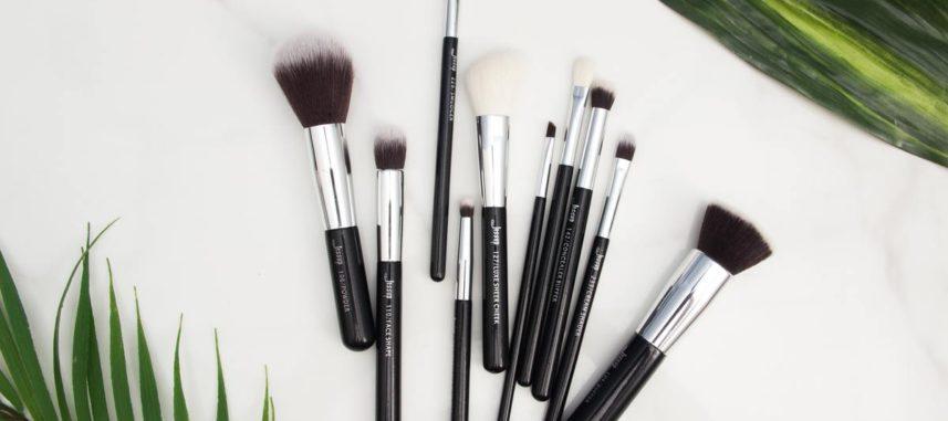 Jak myć pędzle do makijażu, by długo służyły?