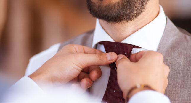 Kamizelka do garnituru - idealny dodatek ślubnej stylizacji Pana Młodego