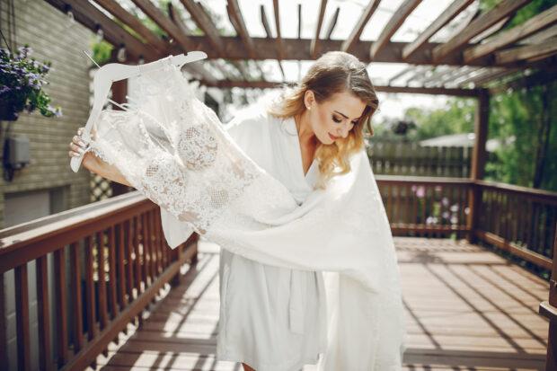 Używana suknia ślubna – czy warto się na nią zdecydować?