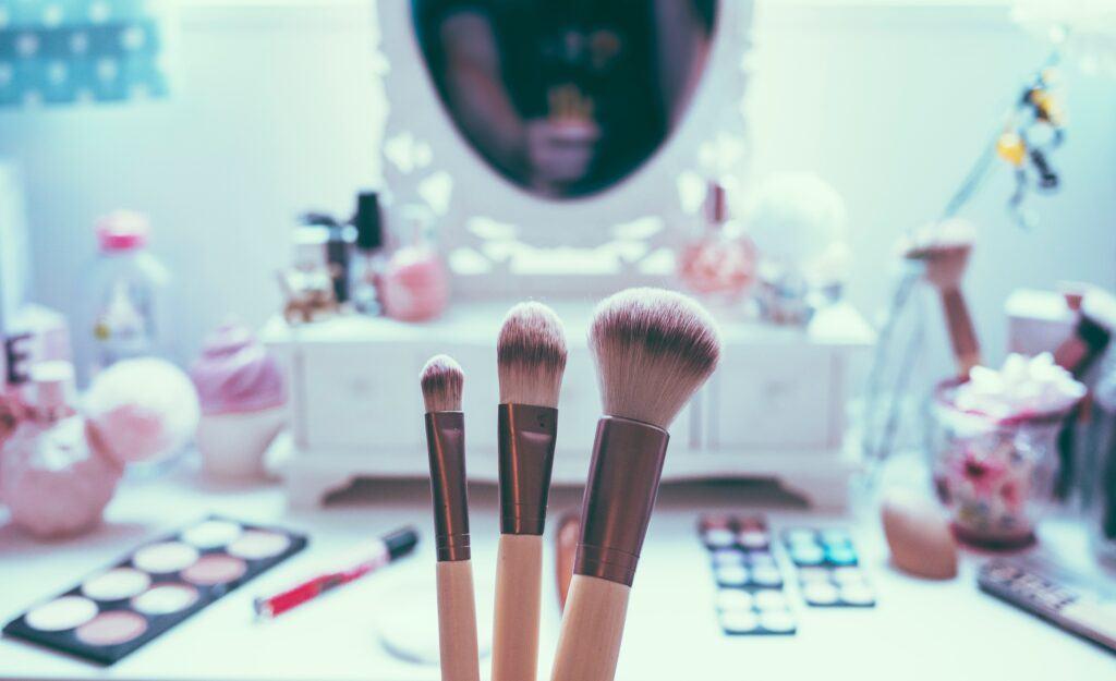 Wszystkie rodzaje pędzli do makijażu, które powinnaś znać!