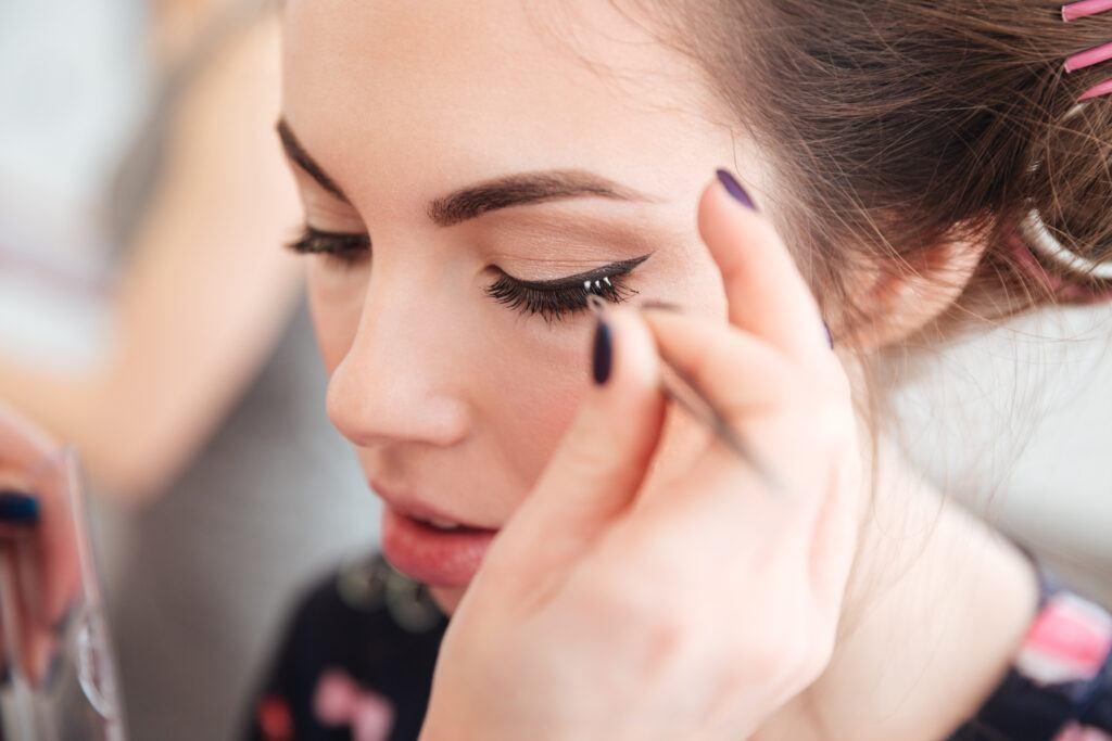 Kępki rzęs – prosty sposób na piękne oczy