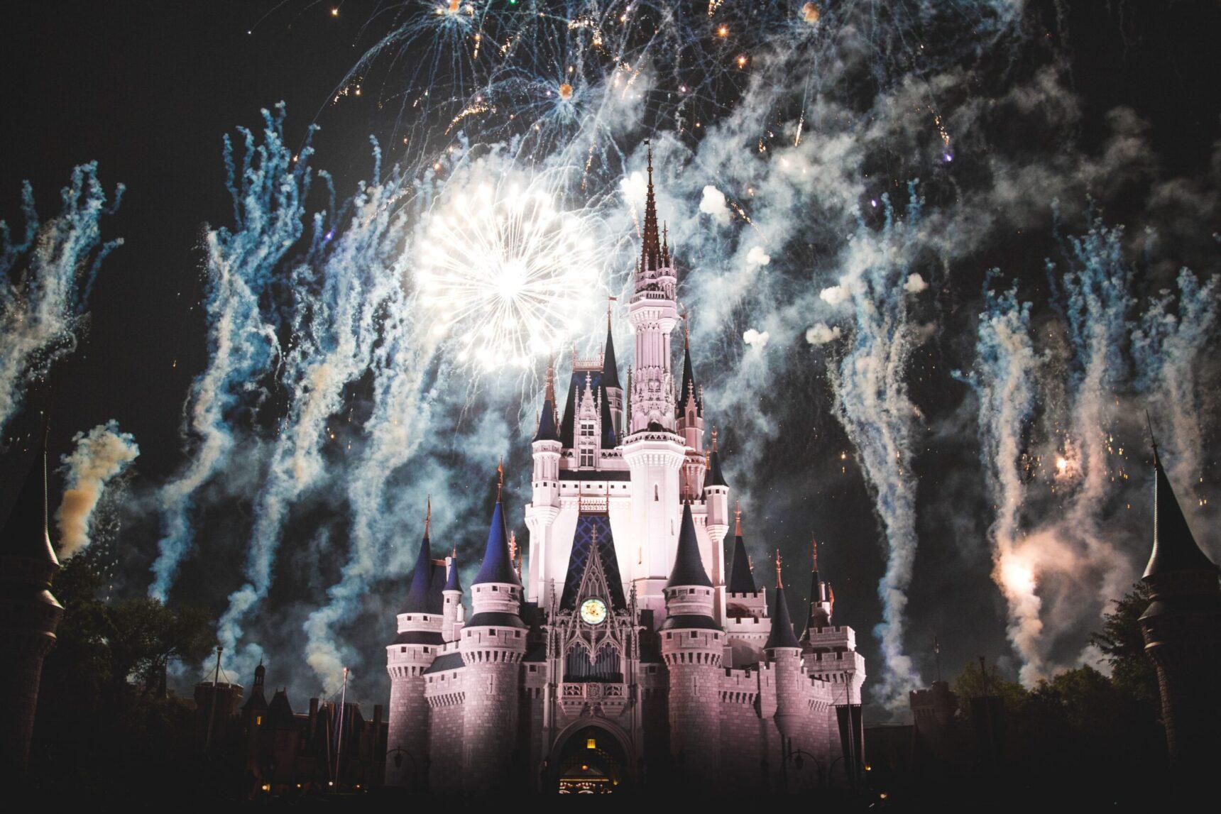 Suknie ślubne Disneya – kreacje, dzięki którym zorganizujesz bajkowe przyjęcie weselne!