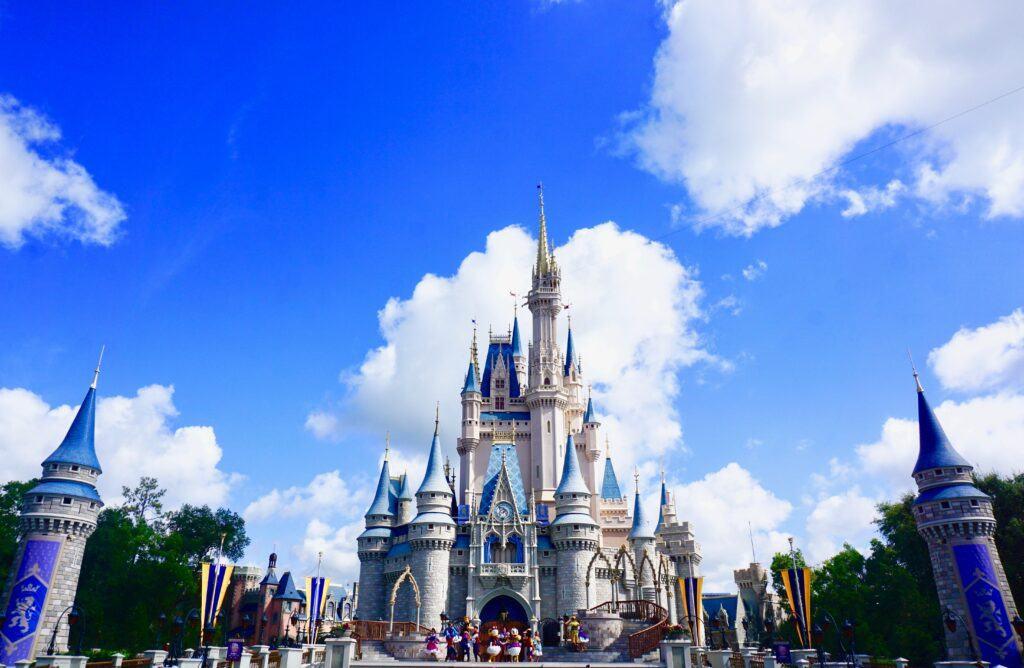 Czy warto wybrać suknie ślubne Disneya i wziąć ślub w Disneylandzie