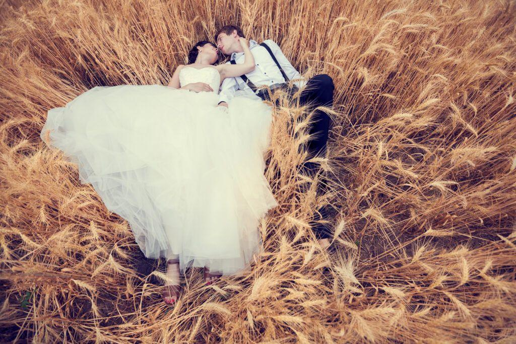 Sesja stylizowana – zaaranżuj niezapomniany plener ślubny!