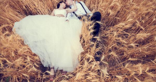 Sesja stylizowana - zaaranżuj niezapomniany plener ślubny!