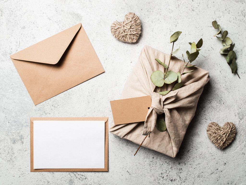 koperta i dekoracje do pakowania prezentów