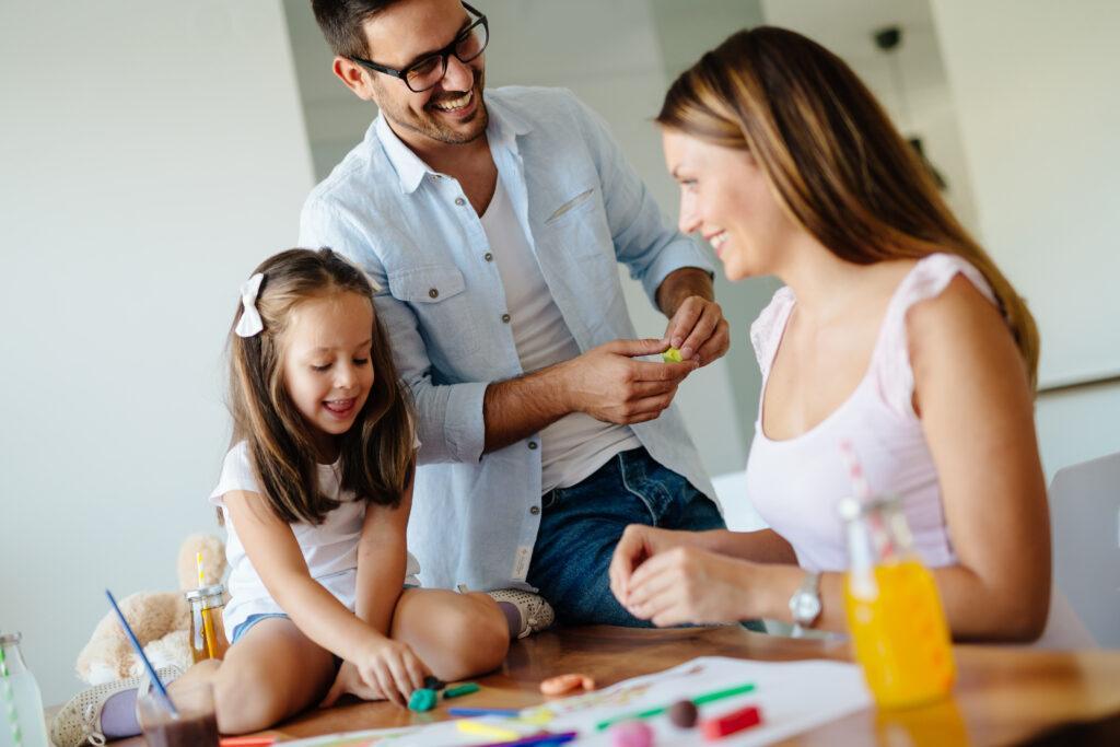 Domowa ciastolina – jak w łatwy sposób zaplanować dzieciom świetną zabawę!