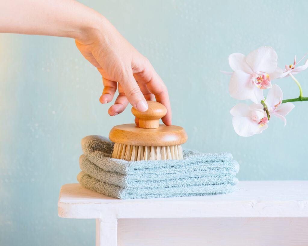 masaż odchudzający szczotką