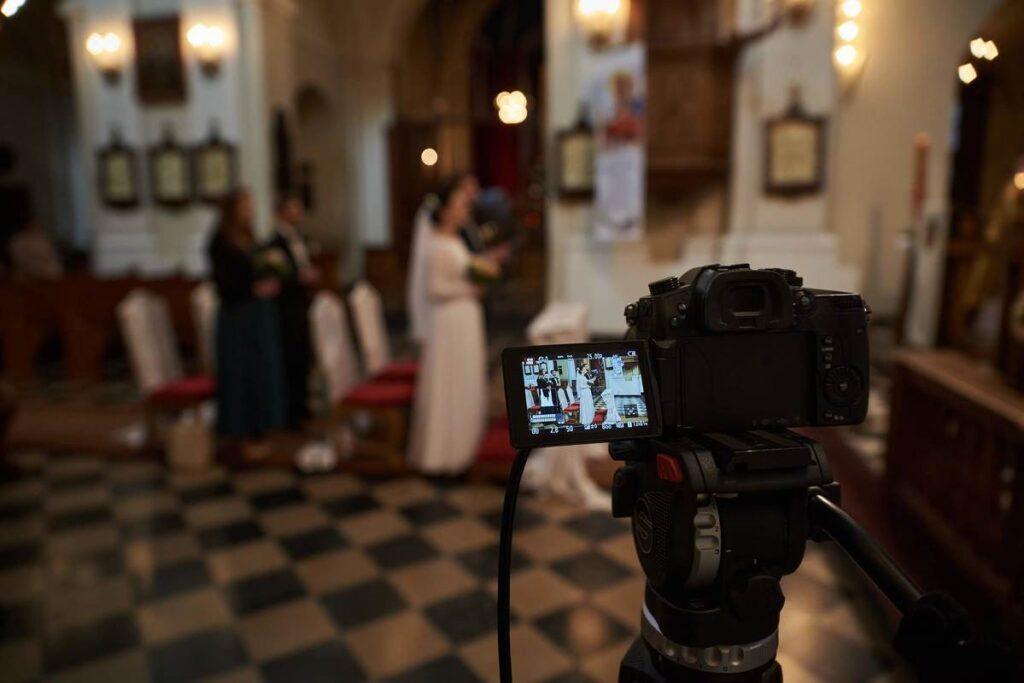 Transmisja online ze ślubu – sprawdź zalety tego rozwiązania!