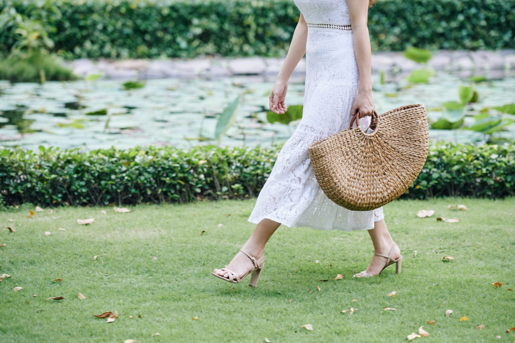Torebka koszyk – idealny dodatek kobiecej stylizacji na lato!