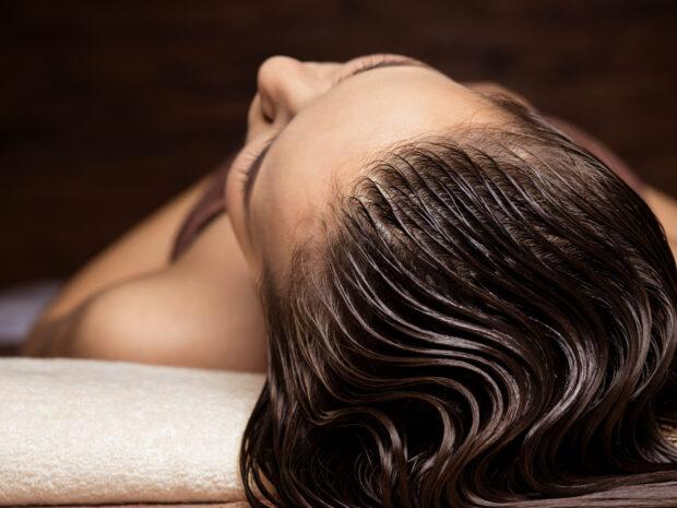Laminowanie włosów w domu – domowe SPA na rozdwojone końcówki!