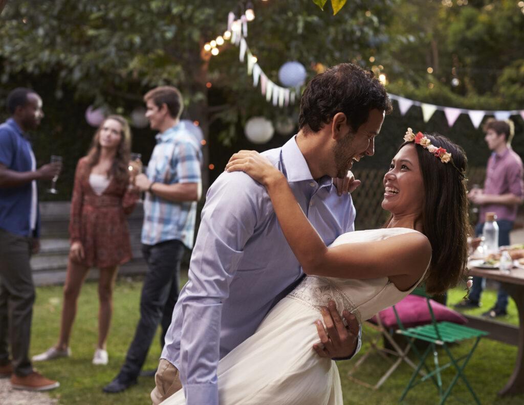 """""""Narzeczony nie lubi tańczyć, więc mu tego oszczędzę"""", czyli co zamiast pierwszego tańca na weselu?"""