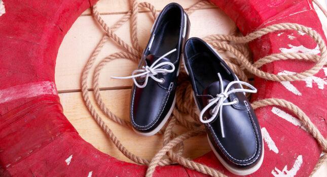 Mokasyny do garnituru - jak je dobrać, aby wyglądać stylowo i nie popełnić modowego faux pas