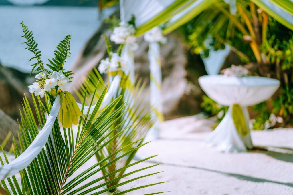 Wesele w stylu tropikalnym – wszystko co musisz o nim wiedzieć!