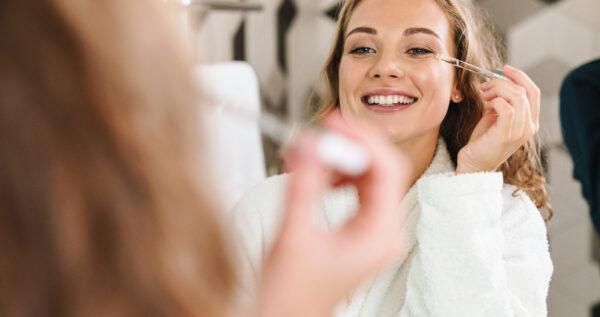 Olejek rycynowy na włosy, skórę i paznokcie - poznaj tajniki totalnego nawilżenia!