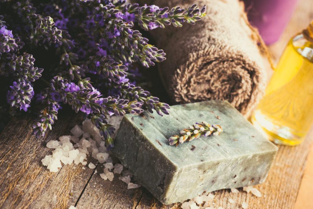 lawendowy olejek eteryczny