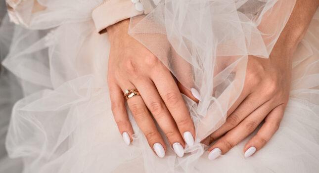 Paznokcie ślubne 2021💅 – najmodniejsze wzory i trendy!