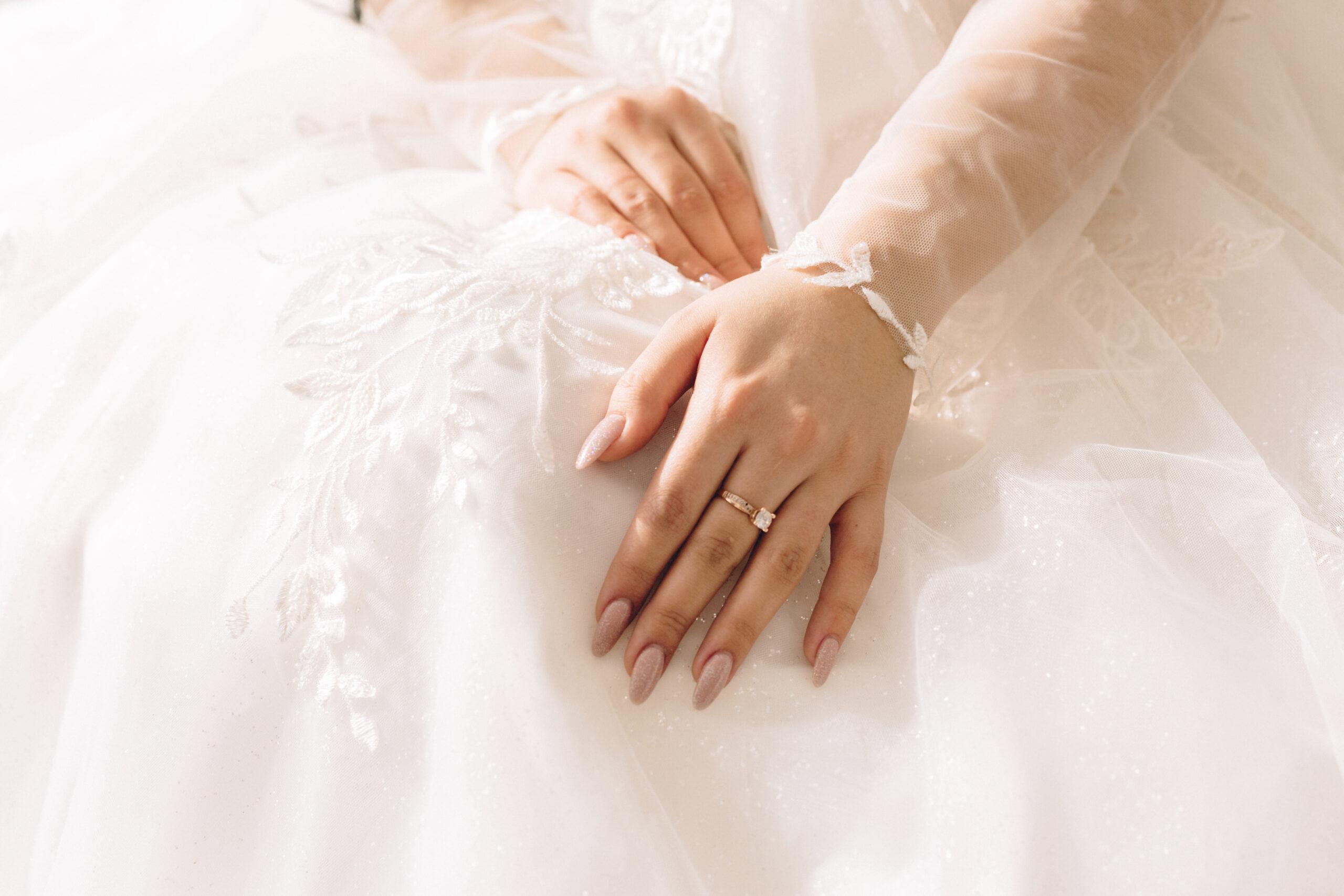 paznokcie ślubne klasyczne
