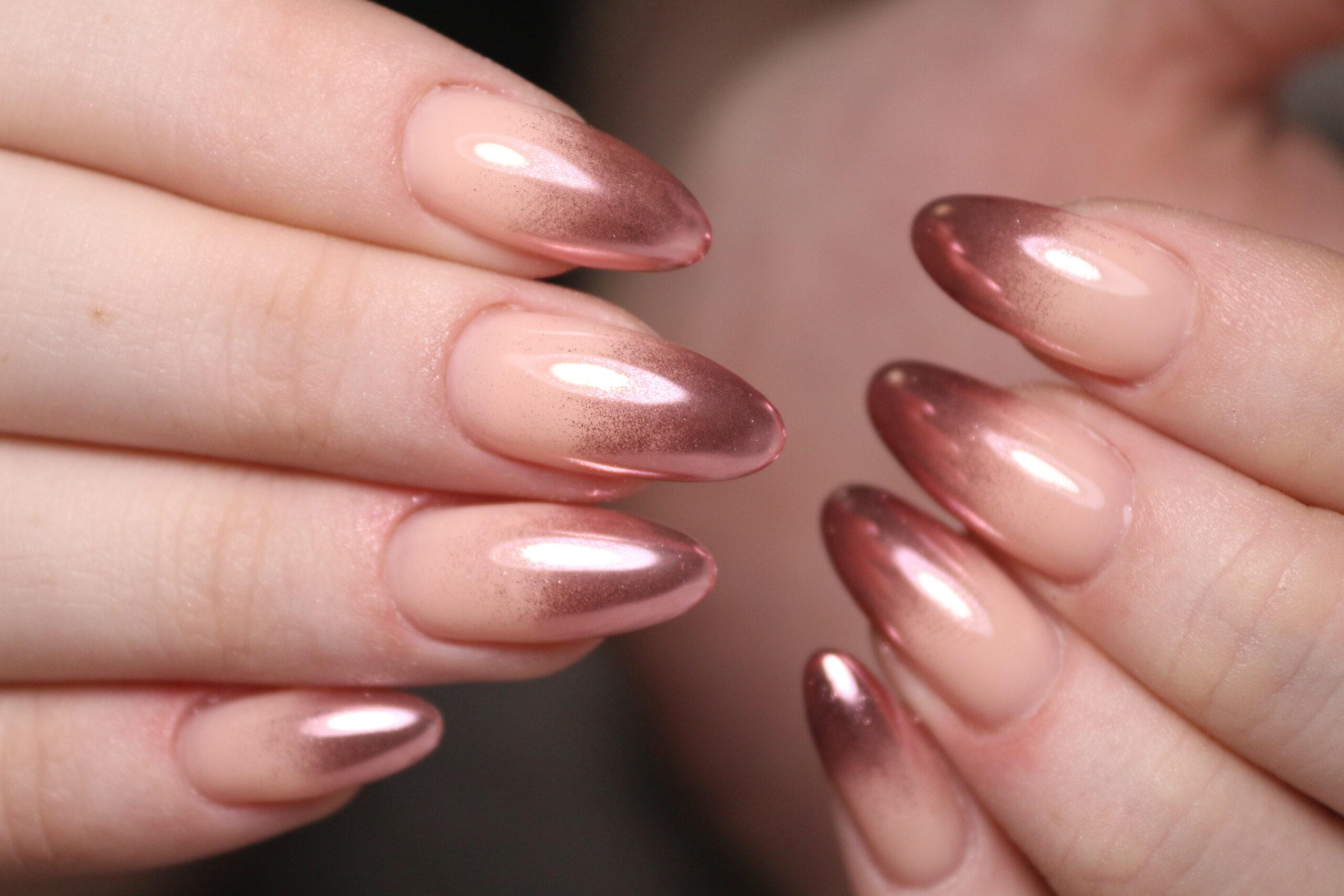 paznokcie ślubne nude efekt ombre