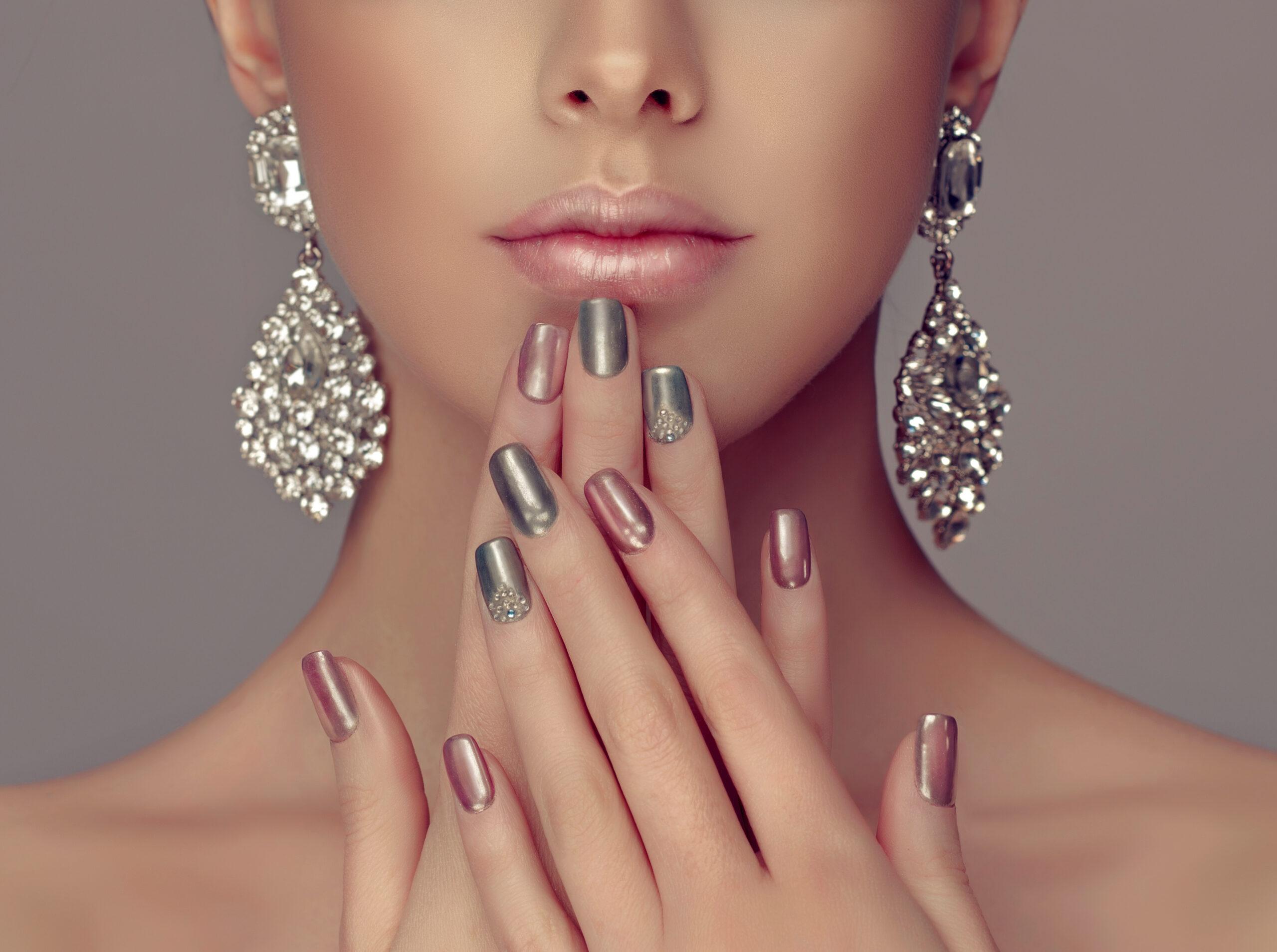 lustrzane paznokcie ślubne z dodatkiem różu